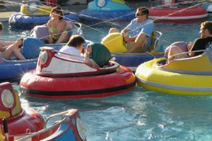 Bumper Boats | Family Fun Center & Bullwinkle's Restaurant - Wilsonville, OR