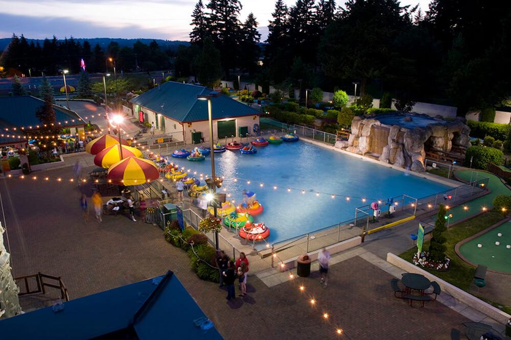 Family Fun Center & Bullwinkle's Restaurant - Tukwila, WA