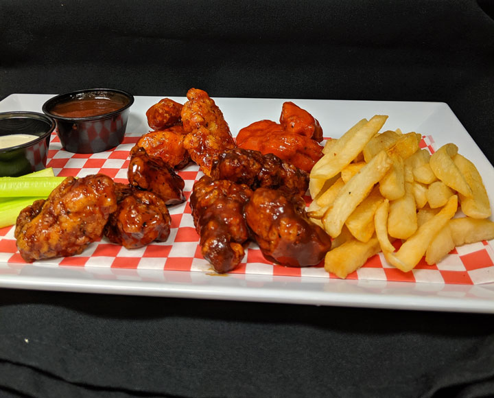 chicken wing & fries platter