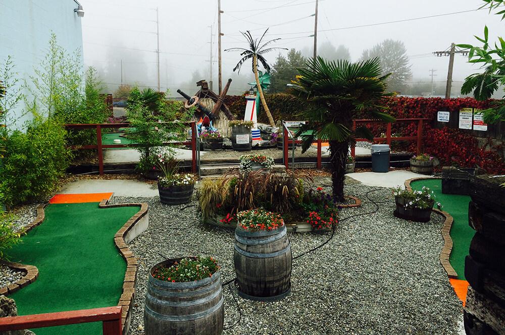 Miniature Golf | Bullwinkle's - Wilsonville, OR